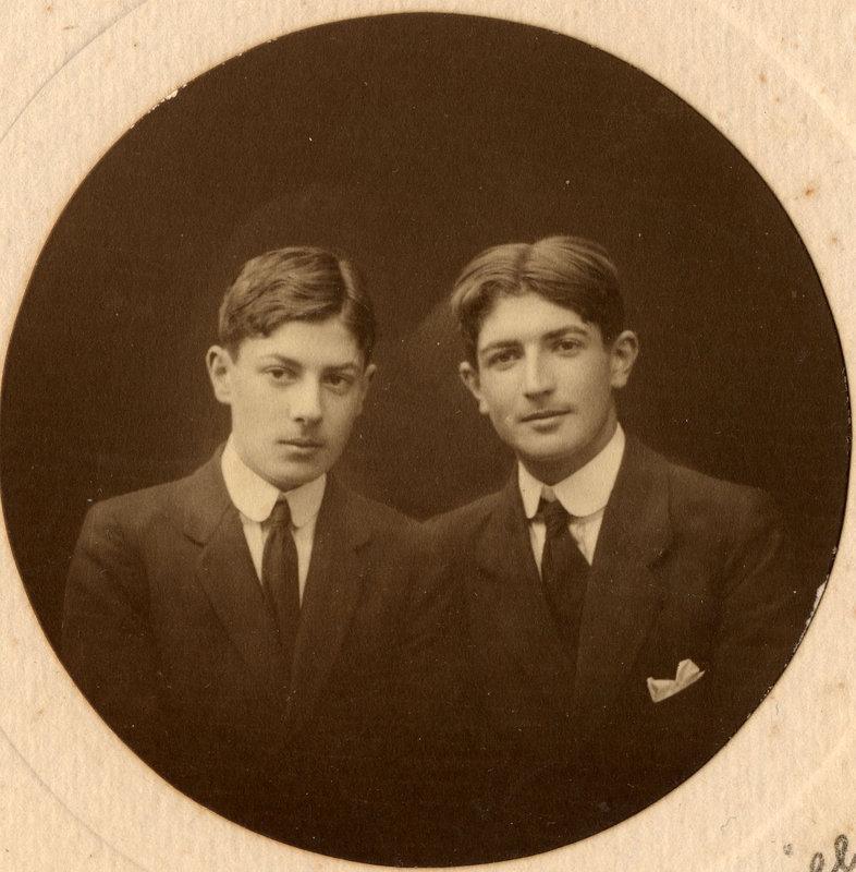 Henri et Maurice de Roquefeuil-Cahuzac Saint Brieuc vers 1913