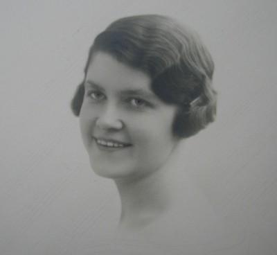 Jacqueline de Roquefeuil jeune-femme