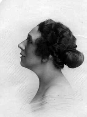 Jeanne Hay-Margirandière, épouse d'Eugène de Roquefeuil et du Bousquet