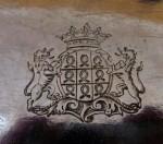 Armes avec Couronne de Duc sur huillier Roquefeuil 1768 Maitre Bazille orfevre a Montpellier