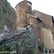 Tour subsistant du chateau de Combret